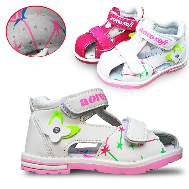 Na venda 1 par marca crianças sandálias de couro menina sapatos, Super qualidade crianças ao ar livre sapatos ortopédicos