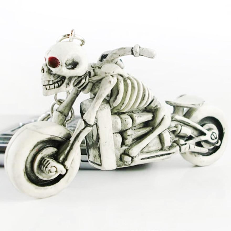 Novelty Skull Keychain Men Vintage Silver Rubber Devil Death Monster Pirate Trinket Motor Car Key Chain Ring Llaveros Gift
