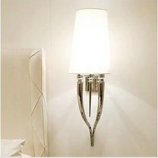 Lampe murale moderne en corne blanche lampe de lit en fer ktvLampe murale moderne en corne blanche lampe de lit en fer ktv