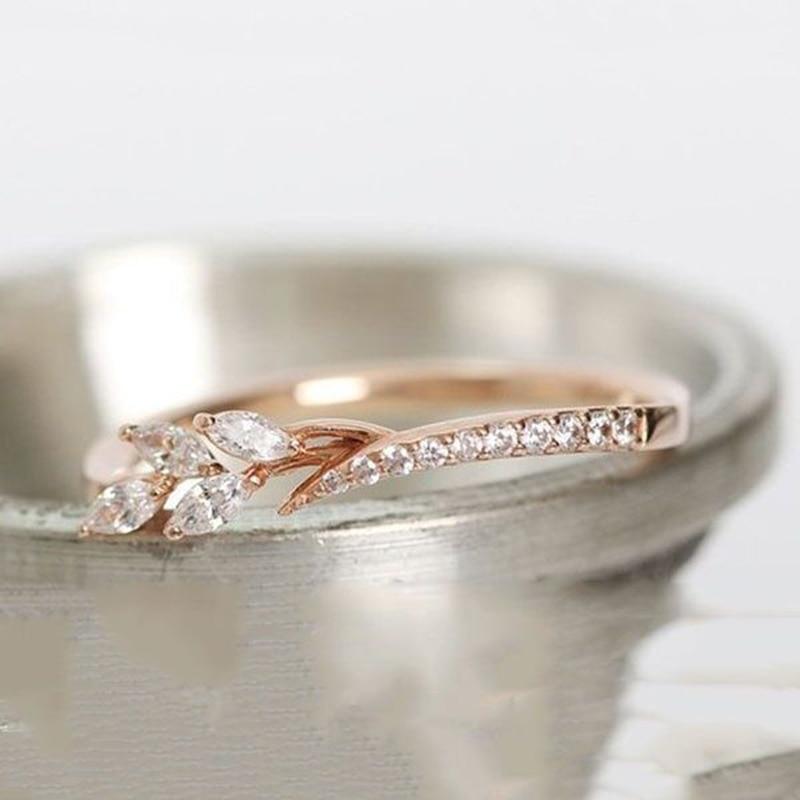 Cute Danity Leaf Crystal Engagement Rings For Women's