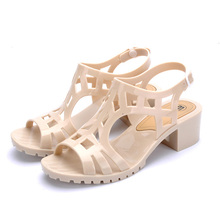 Newly Summer Style Vintage Jelly Sandals Thick Heel Gladiator Sandals Women Peep Toe Ankle Strap Buckle Beach Shoes Size 36-40