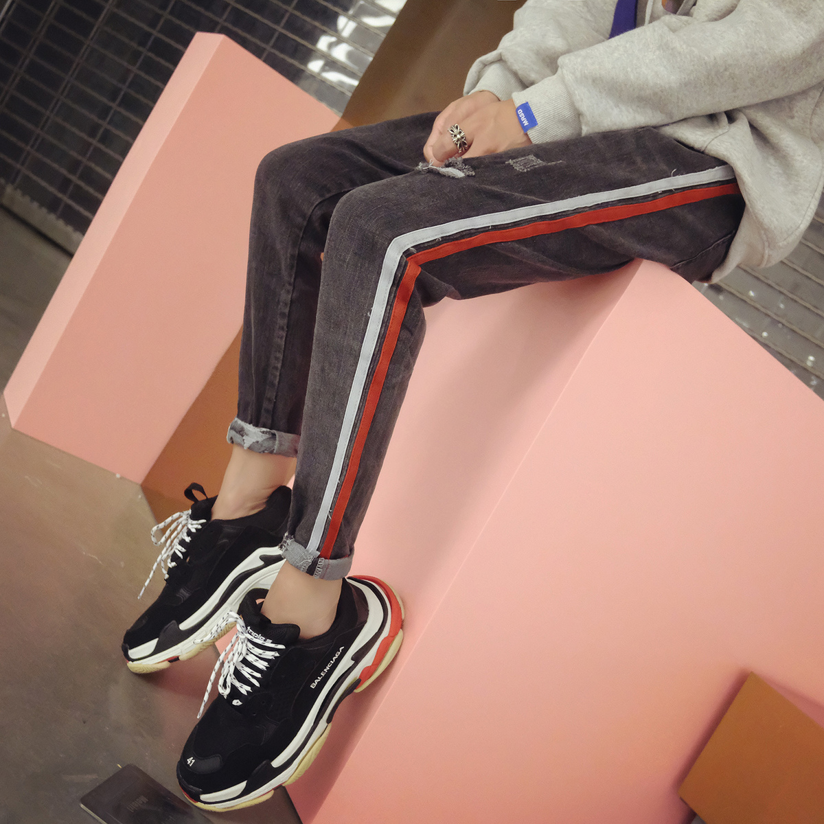 2018 Spring Newest Mens Chic Simple Explosion Models Tide Side Stripe Gray Weave Bring Holes Jeans Casual Washed Trousers S-xl