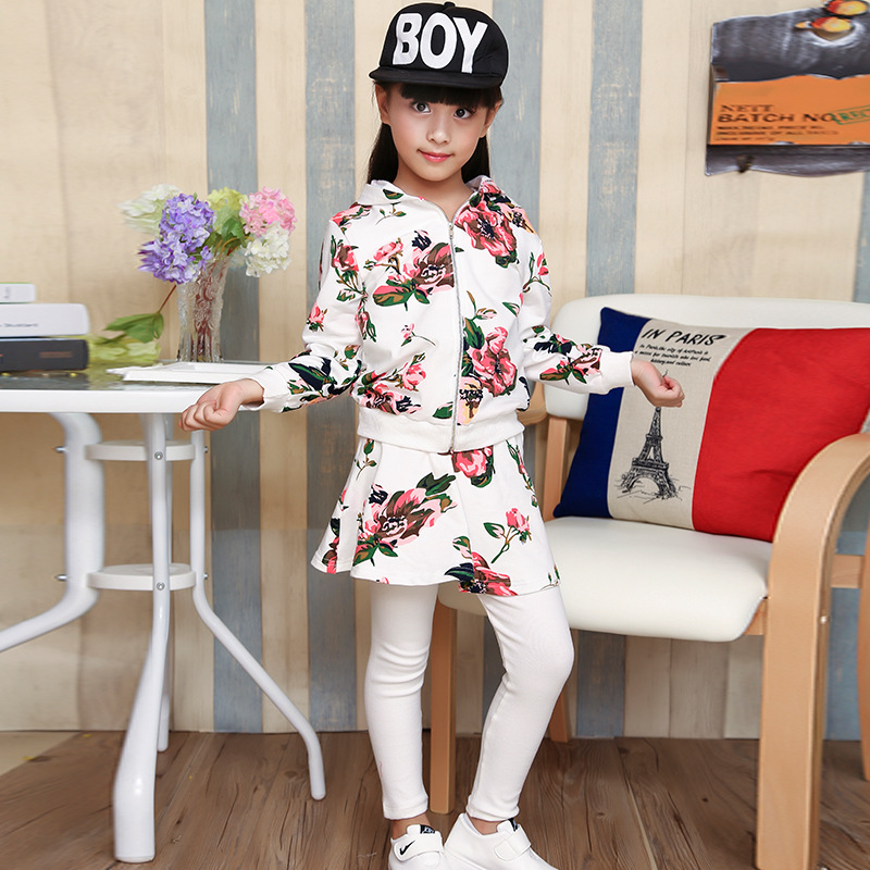 Korean version of the Spring and Autumn new girl sets of cotton flowers  printed leisure sportswear hooded sweater + trousers korean style different flowers and plant of 50 chinese embroidery handmade art design book
