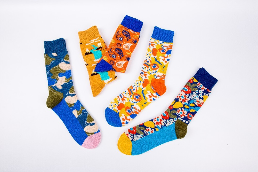 Men's Socks Factory Original 6 Colors Mens Socks Cotton Colorful Dress Happy Socks Novelty Animal Flower Butterfly Bird Patterned Sock Gift
