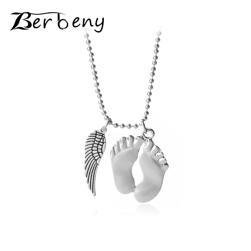 2018 Fashion Silver Color Little feet Wing Charm Necklace Baby Foot Link Chain Pendant Necklace Mothers Day Jewelry Gift