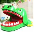 Новинка Крокодил Кусает Руку Игрушка Шутки Шутка Игрушки для Детей, пластиковые Приколами Розыгрыши Trick Игрушки Бесплатная Доставка