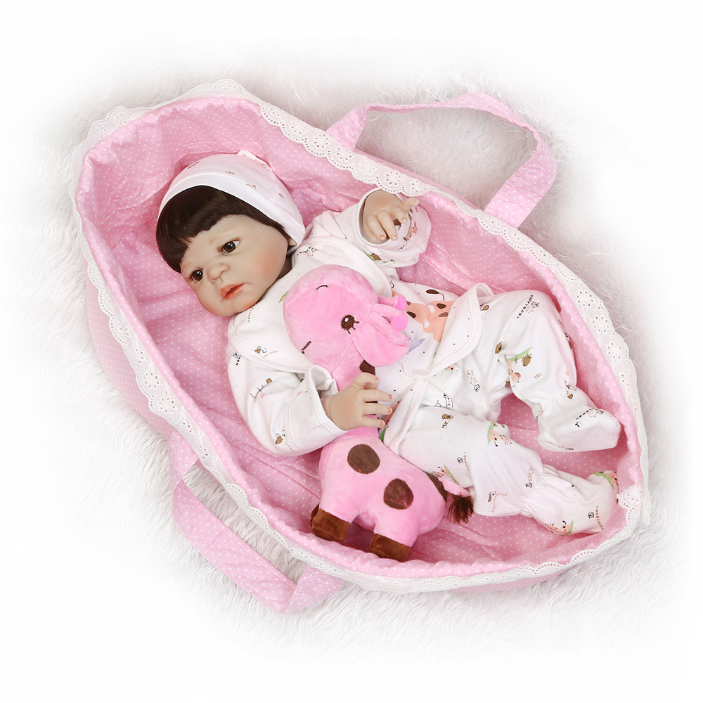 NPK reborn dolls 2255cm full silicone reborn baby girl dolls with pink sleeping basket giraffe bebe-reborn bonecas alive babiesNPK reborn dolls 2255cm full silicone reborn baby girl dolls with pink sleeping basket giraffe bebe-reborn bonecas alive babies
