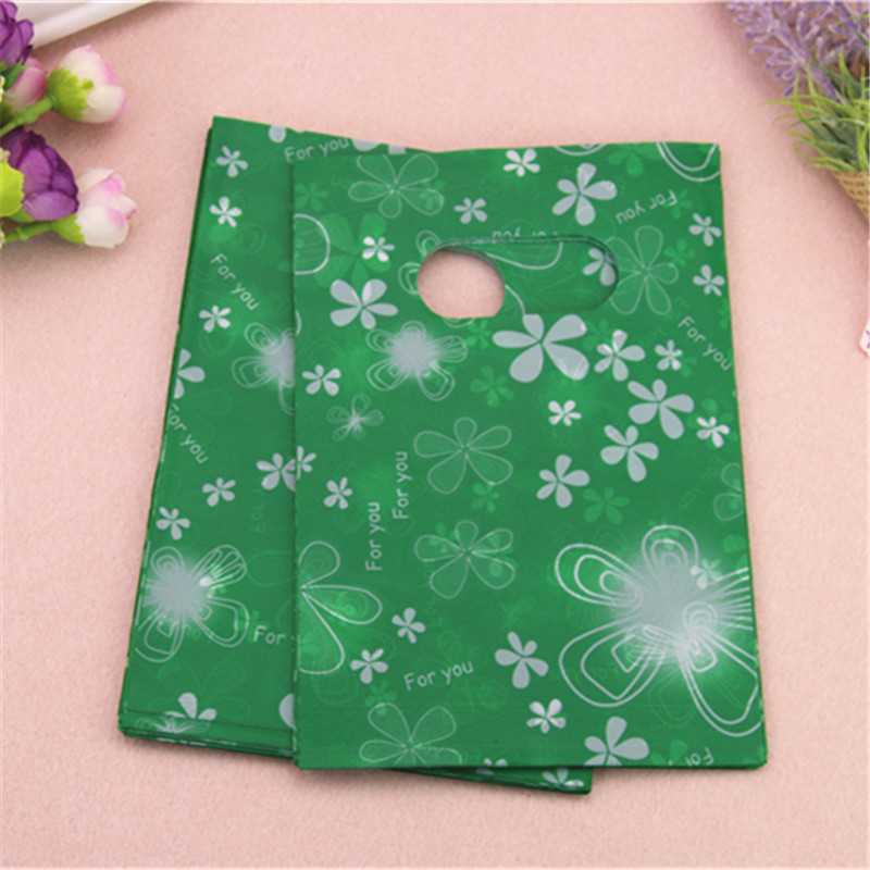 2017 New Style Wholesale 100pcs/lot 13*18cm Green Gift Packaging Bags With Beautiful Flower Plastic Shopping Gift Bags
