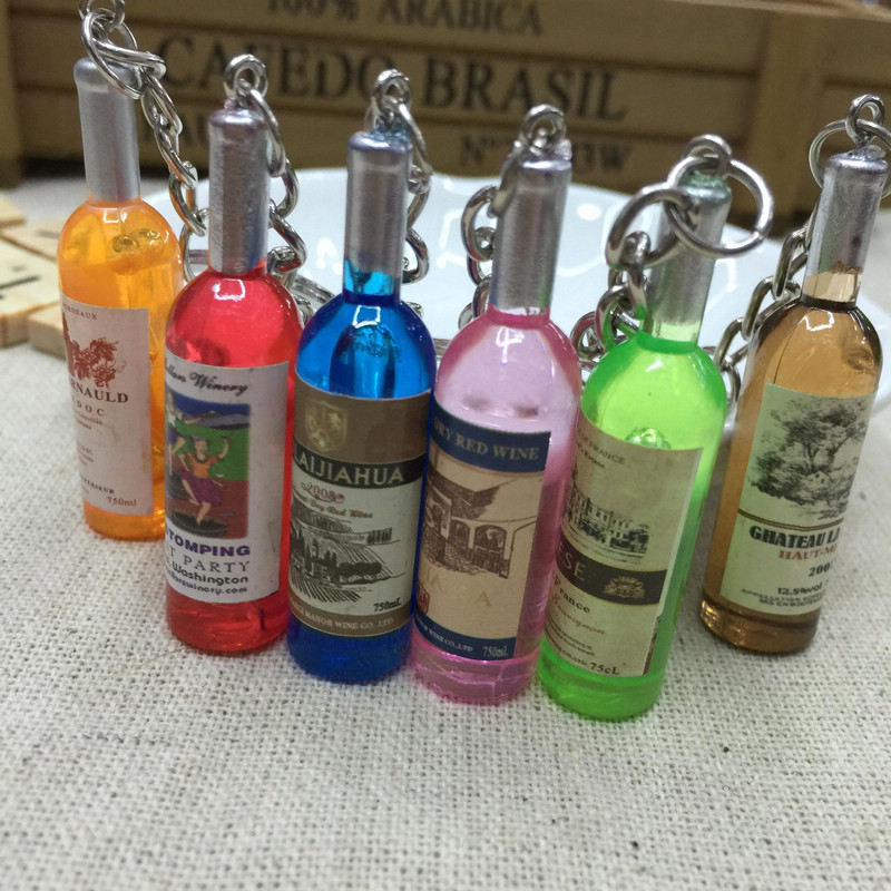 Fashion Beer Bottle Charms Keychain Men Vintage Red Wine Bottle Key Ring Chain Jewelry Women Bag Car Trinket Gift Souvenirs