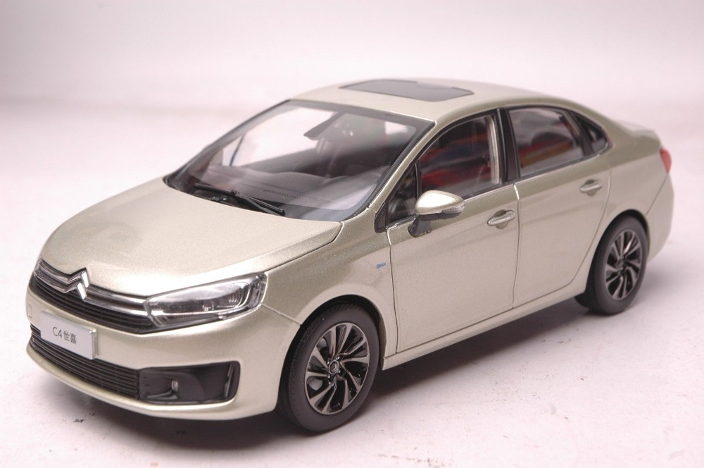 1:18 Diecast Model for Citroen C4 2016 Gold Sedan Alloy Toy Car Collection Gifts C3 XR C3XR