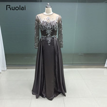Real Photo Elegant Brun Mor Brudekjoler Lang Ermer Krystall Beaded Pleat A-Line Satin Brudgum Mor Kjoler FM04