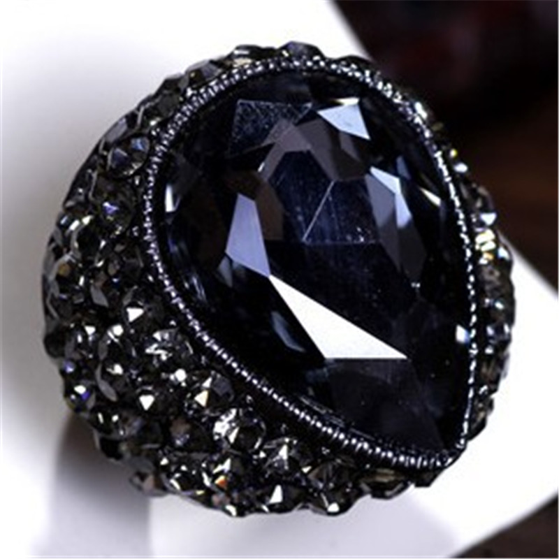 Wing Yuk Tak Fashion Exaggerated Vintage Style Water Drop Elastic Ring For Trendy Party Jewelry