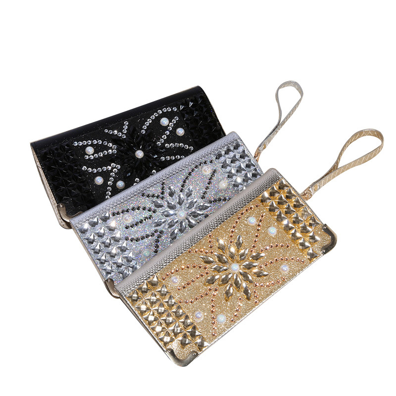 New Casual Clutch handbag with diamond crystal women purse female bag on behalf of a dinner 50 the new 2016 limited rivet set auger handbag contracted with diamond crystal diamond bag