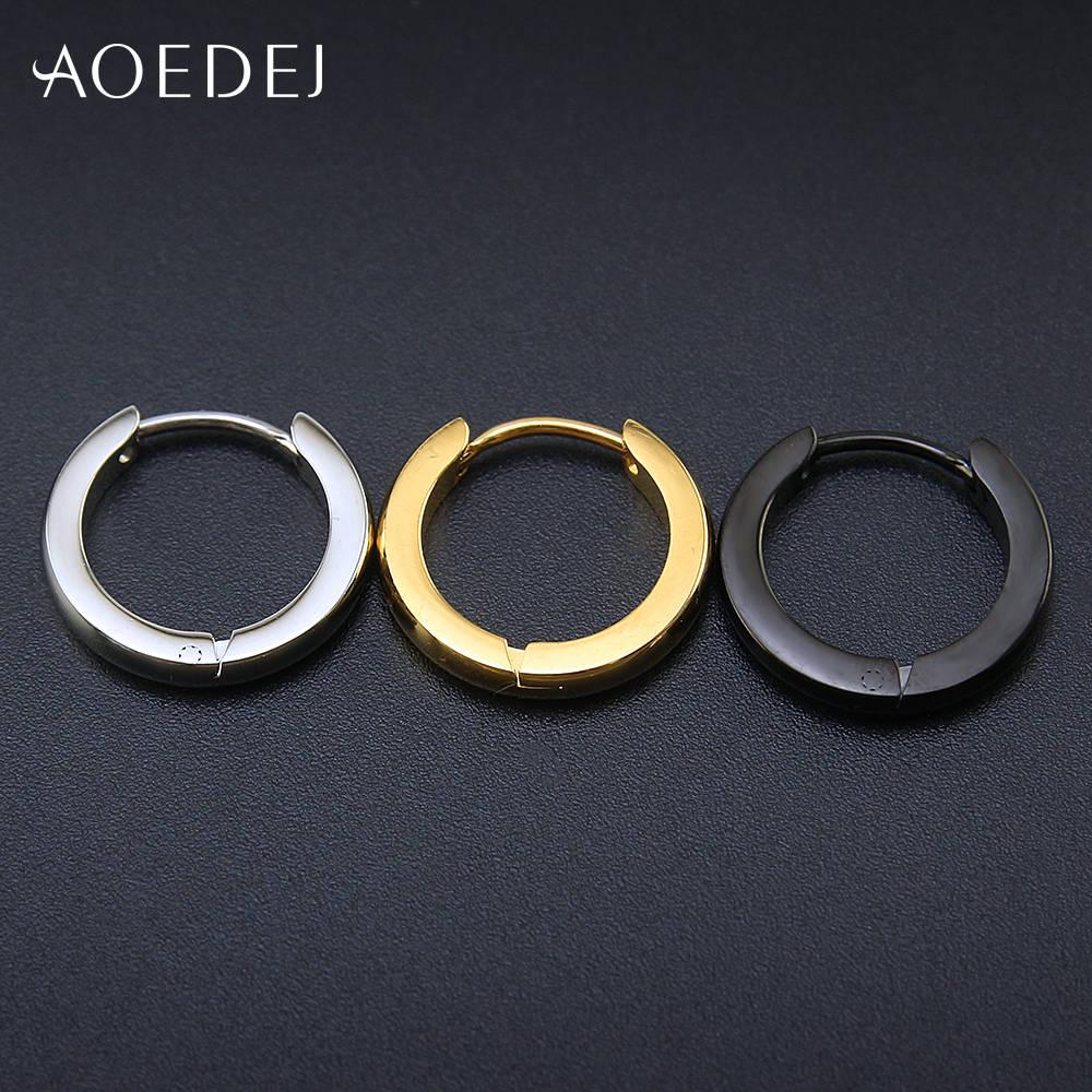 b7fab902e25f Pendientes de aro pequeños AOEDEJ Pendientes de aro de acero inoxidable de  Color dorado para Mujeres Hombres Pendientes de círculo criolla Argollas ...