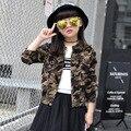 Novo Bebê da Menina Casacos Primavera Outono Coreano Crianças Casuais Roupas de Camuflagem Crianças Turn-Down Collar Manga Comprida Outerwear Quente