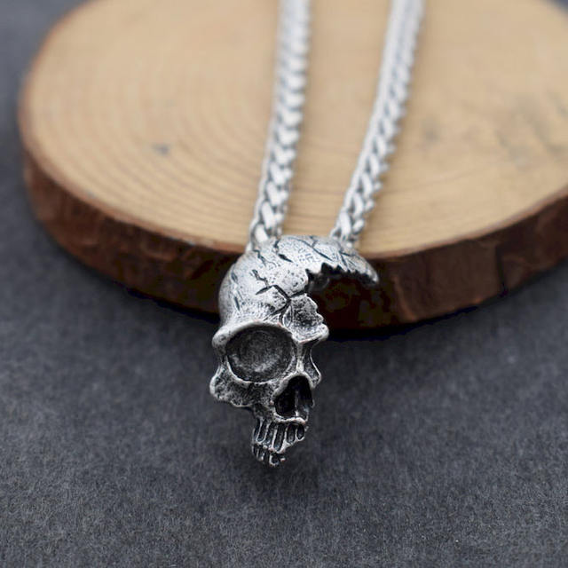HALF FACE SKULL NECKLACE