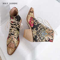 2019 New Women Luxury Silk Boots Martin Ankle Boots New Autumn Winter Embroider Womens Motorcycle Boots Lace Up Shoes Woman