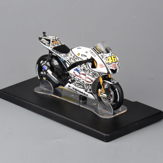 New 1/18 Scale Yamaha YZR-M1 #46 Laguna Seca 2010 Motorcycle Model Vehicle Toys For Children Gifts   Collections