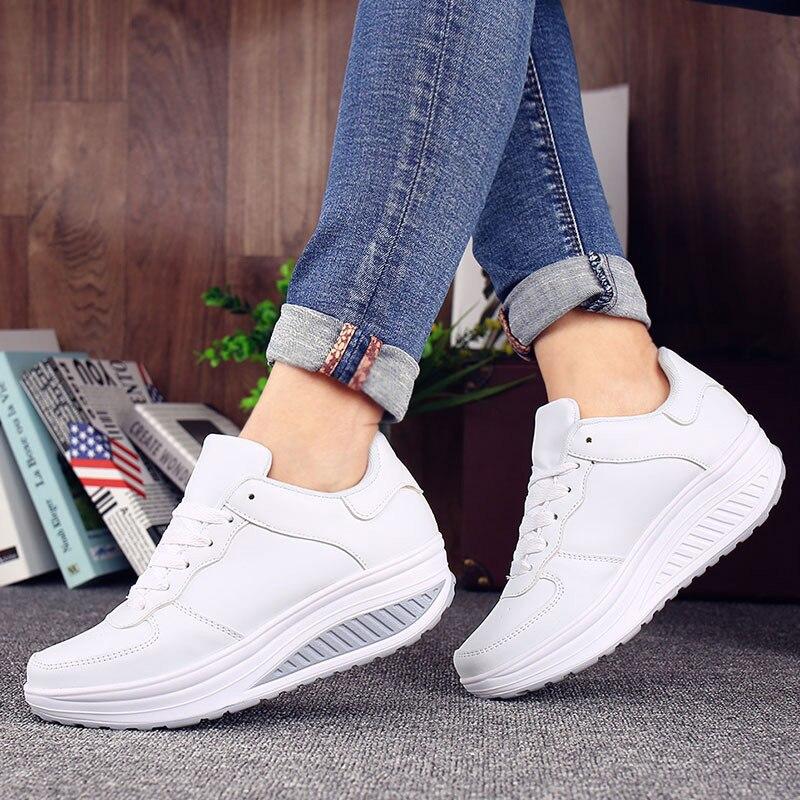 2018 Frauen Lace Up Plattform Herbst Vulkanisierte Weibliche Plus Größe Casual Dicken Boden Keile Damen Art Und Weise Mischte Farbe Schuhe