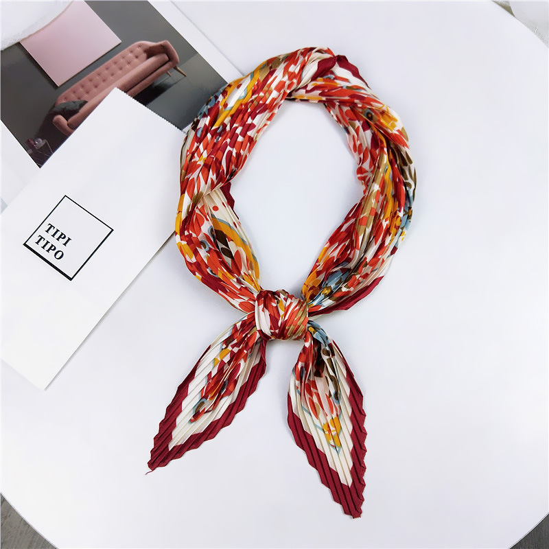 2019NEW Autumn Winter Korea Fashionable Floral Square Silk Scarf For Ladies Scarves Pleated Foulard Headscarves Girl Kerchief