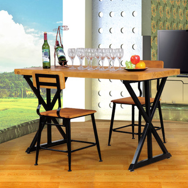 Retro americana para hacer viejos de madera mesas y sillas de ...