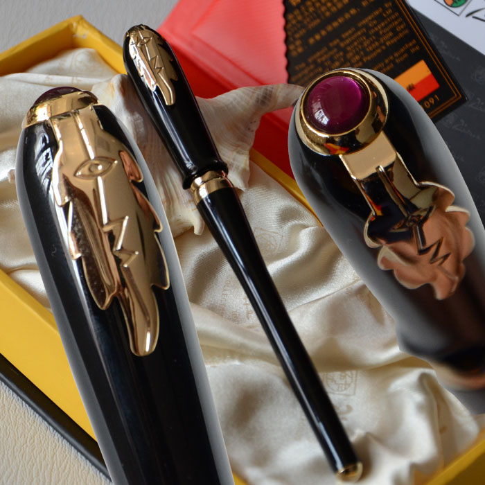 PICASSO 986 EXECUTIVE BLACK AND GOLDEN ROLLER BALL PEN LEAF with original box picasso 909 black