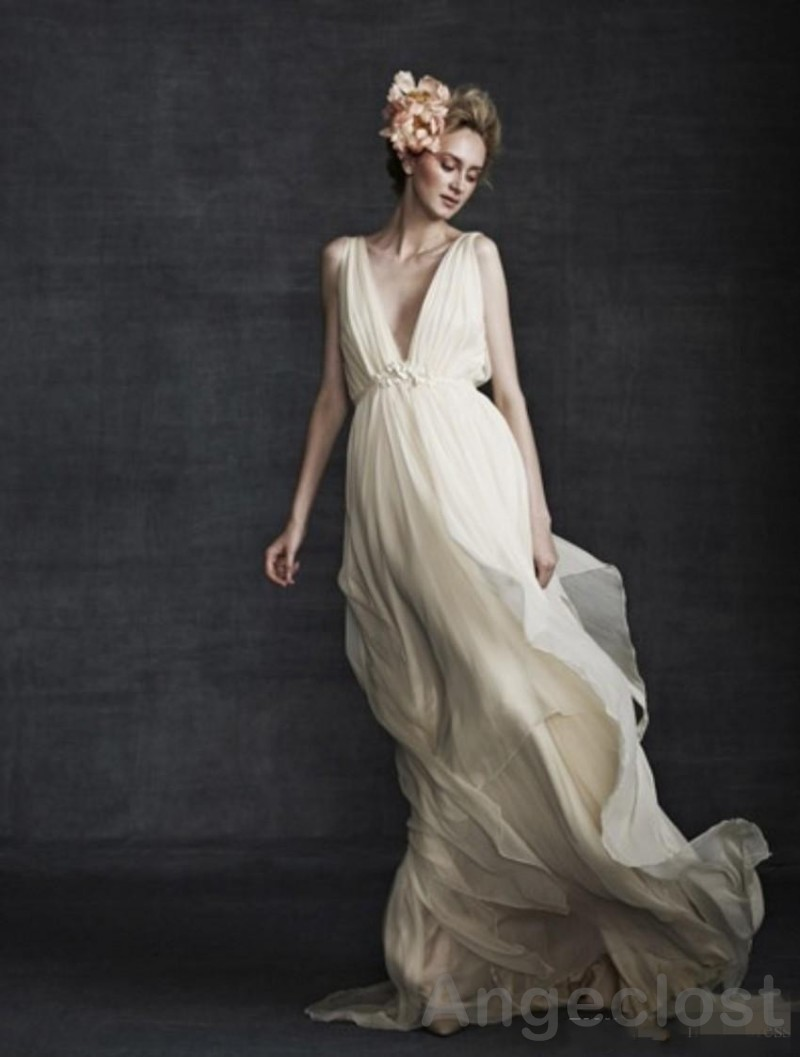 plunge wedding dress The Timeless Bride Beautiful classis wedding dress with plunge neck from the new Bride co Blush