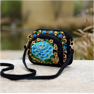 цены New Coming Multi-zippers Embroidery Small bags!Hot Women Flap bags fashion Ethnic National Versatile Lady canvas Shopping bags
