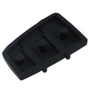 Image 2 - 1Pcs 3 Taste Remote Key Fob Fall Abdeckung Auto Schlüssel Pad Ersatz für Audi A3 A4 A6 TT Q7 durable Gummi Schwarz