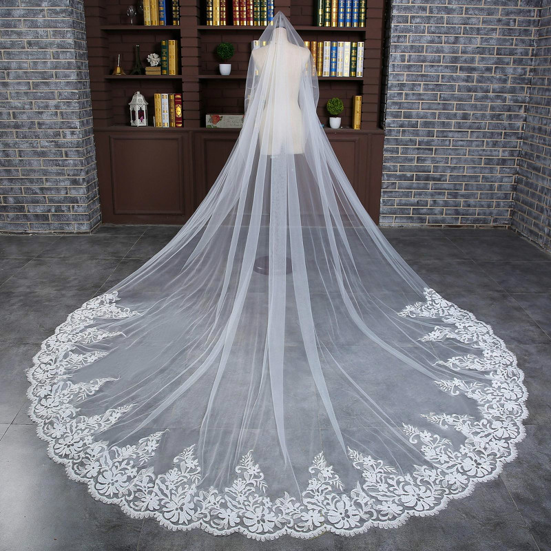 Romantic 4 M Wedding Veil Cathedral One Layer Lace Appliqued Long Bridal Veils With Comb Woman Marry Gifts 2018 New Accessories
