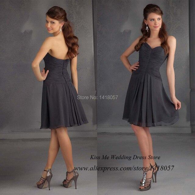 Barato gris corto Vestido de dama para bodas plisado gasa Vestido de ...