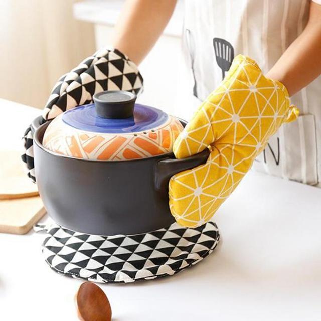 1Pc Cotton Oven Glove Heatproof Mitten Kitchen Cooking Microwave Oven Mitt Insulated Non slip Glove Thickening