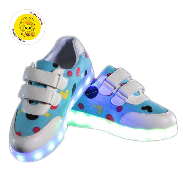 6f33ac5a80e1 Девушки Парни обувь детская Мода Крюк Петля светодиодные обувь дети light  up светящиеся кроссовки маленькие Девочки
