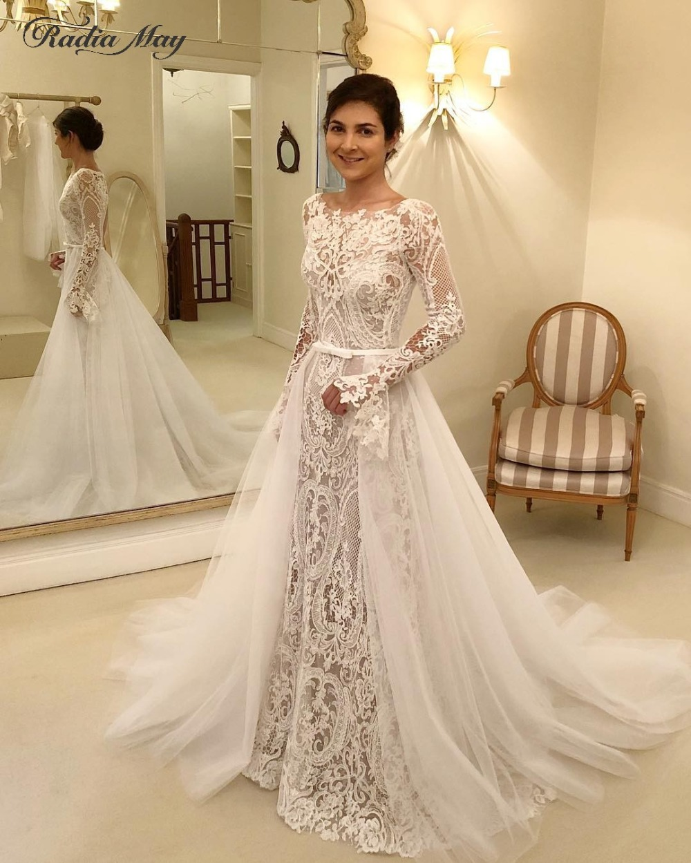 Vintage Lace Mermaid Long Sleeves Wedding Dress With Detachable Train Open Back Ivory Church Wedding Gowns Country Bridal Dress