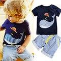Algodón de Los Niños del verano traje de manga corta camiseta del muchacho + pants 2 unids corta a rayas bebé ballena de la historieta que arropan el sistema
