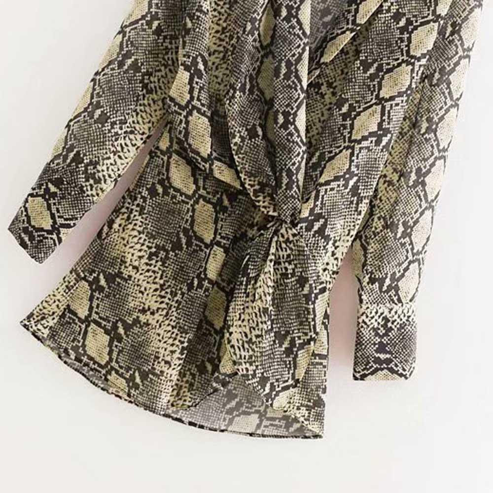 Aliexpress.com   Buy ANSFX Vintage Snake Print Waist Tied Knot Slim Shirt  Long Sleeve Turn down Collar Casual Women Mid Long Blouse Tops blusas from  ... b19aa06ff5