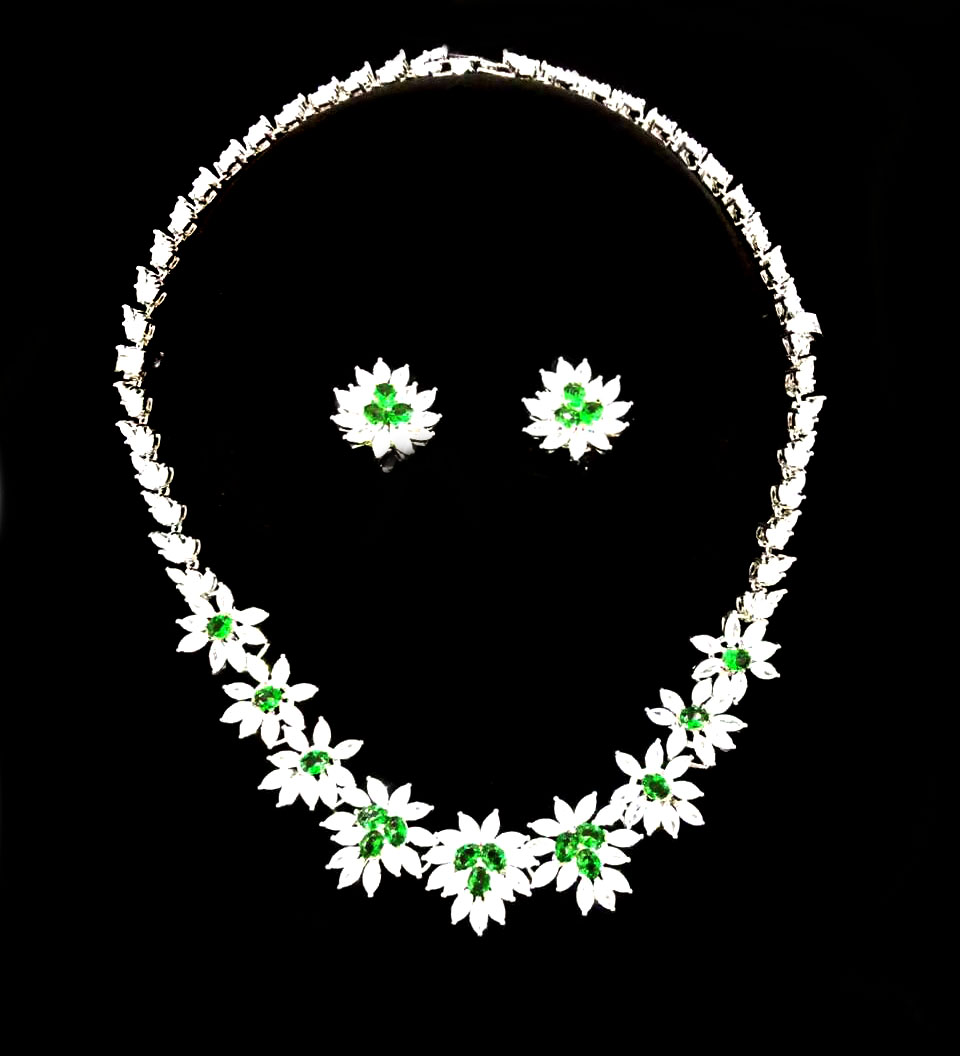 Yulaili 2018 New Design Exquisite Gold Jewelry Sets African Women's Necklace Luxury Elegant Wedding Jewelry.