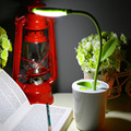 2017 Útiles de Escritorio LED Lámpara de Mesa Ojo Proteger La Luz de Brillo de 3 Niveles Retoño Sostenedor de La Pluma