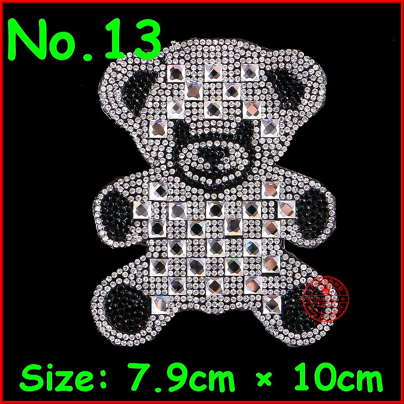1 st / parti Hotfix Rhinestones Patches Bear Motiv Iron On Crystal Applique Patches För Barn Kvinnor T-Shirt Kläder Bröllop