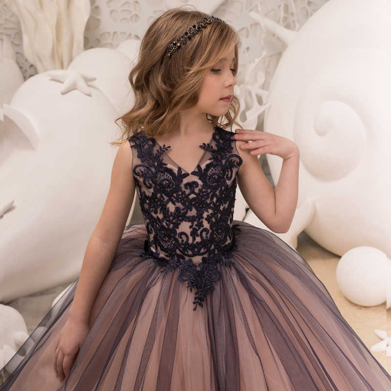... New Hot Girls Tulle Sleeveless Double V-neck Lace Appliques Ball Gowns  Flower Girl Dresses ... daf2b90d31da