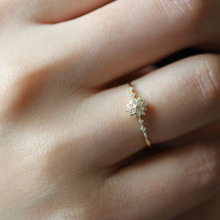 Cute Women Gold Brass Snowflake Crystal Rings Delicate Wedding Jewelry size 6-10 Simple Band Accessories AAA