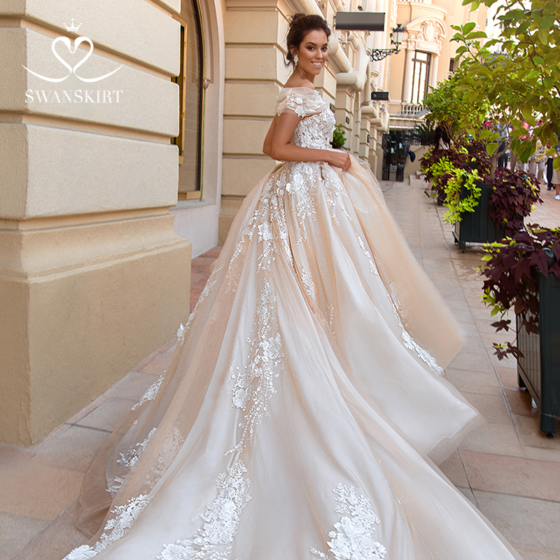 Swanskirt Off The Shoulder Boat Neck Ball Gown Wedding Dresses 2019 Vintage Appliques Princess Bridal Gown Vestido De Noiva F170
