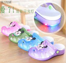 2017 Summer Children Slippers Girls Boys Cute Cartoon Fashion flashing lights Kids Sandals Anti-Slip Home Shoes Baby Beach Shoes