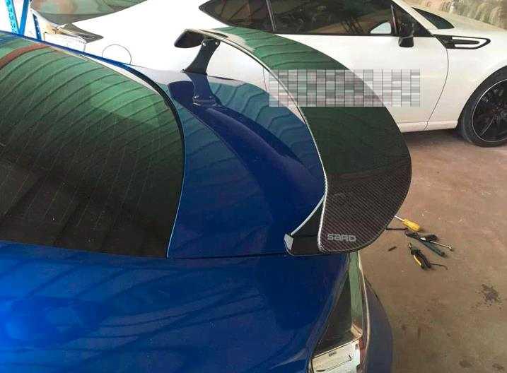 SARD スタイルリアルカーボン繊維車のリアトランクスポイラー用スバル BRZ とトヨタ GT86 FT86 ZN6 、クリップスタイル