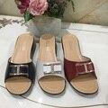 Nueva manera del verano deslizador de señora pendiente anciana madre en casa con sandalias y zapatillas antideslizantes inferiores suaves femeninos envío Gratis