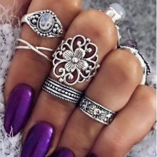 Vintage 5 Pcs/Set White Oval Stone Hollow Carved Arabesquitic Bands Antique Silver Golden Midi Rings For Women(China)