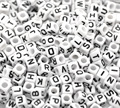 Doreen caja-blanco mezclado alfabeto/Carta cubo acrílico perlas para la fabricación de la joyería DIY 6x6mm (1/4 x1/4) de 500 unids (B18077)