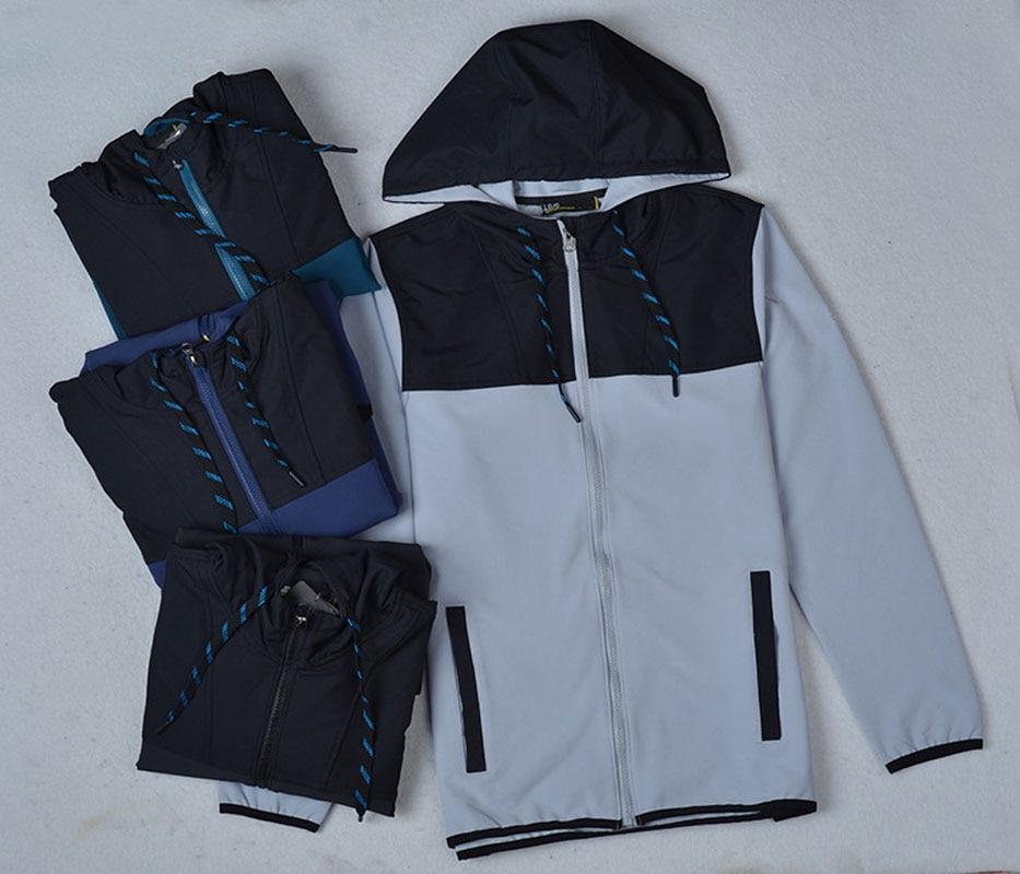 Mens Breathable Hiking Jackets And Coats Softshell Men Windproof Coat Waterproof Jacket Female Warm Hooded Jacket Windstopper
