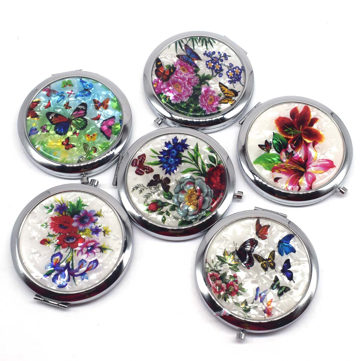 Купить с кэшбэком Mini Makeup Compact Pocket Mirror Flower Butterfly Bamboo Metal Portable Two-side Folding Makeup Mirror Vintage Cosmetic Mirrors