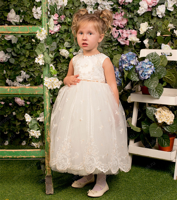 2018 Flower Girls Dresses First Communion Dresses Scoop Neck With Appliques Ball Gown Princess for Wedding pink scoop neck heart